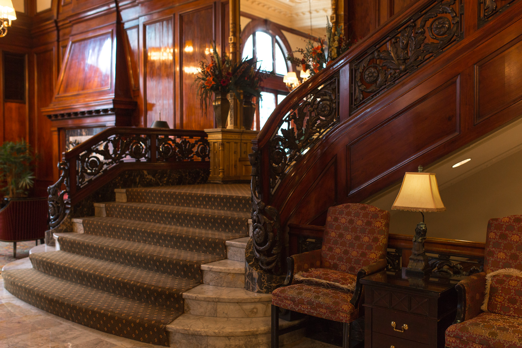 Lumber baron and philanthropist Simon Benson wanted to create the most luxurious and modern hotel west of the Mississippi and spent over $1 million in 1913 bringing in Italian marble for the floors, French terracotta tiles for the ceilings and Russian hardwoods for the wood paneling. (Image: Paola Thomas / Seattle Refined)