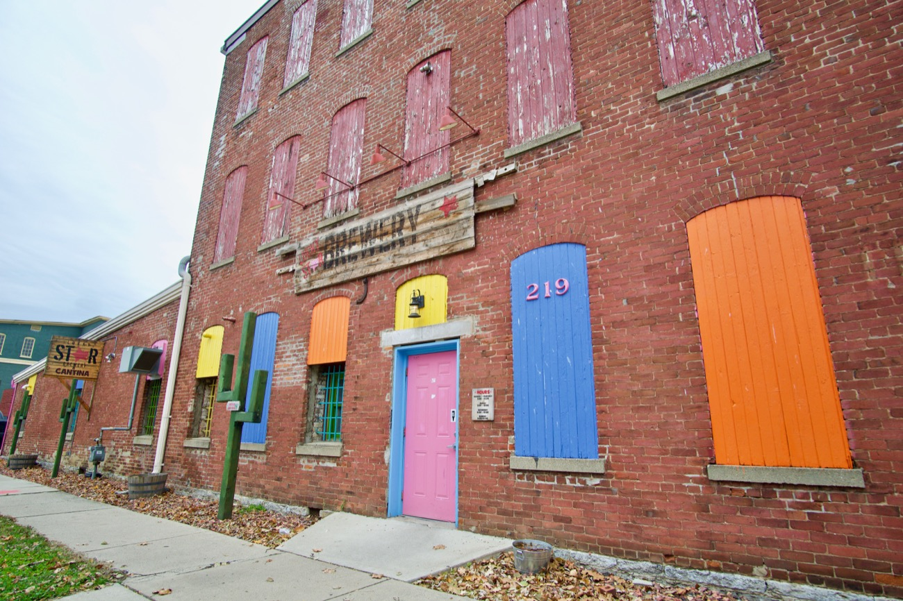 The architecture of Miamisburg's riverside downtown borrows extensively from the Italianate and Queen Anne traditions popularized in that era. It has been preserved, and in many cases restored, resulting in a walkable district rich in bars, restaurants, candy stores, boutiques, and a movie theater. / Image: Brian Planalp // Published: 11.13.18