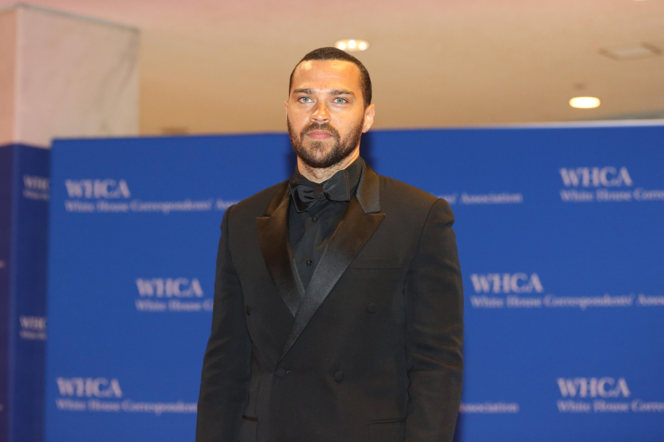 Men have a much harder time standing out on the red carpet, but Jesse Williams can do NO wrong in our eyes and we are HERE for his smoldering look. (Image: Amanda Andrade-Rhoades/ DC Refined)