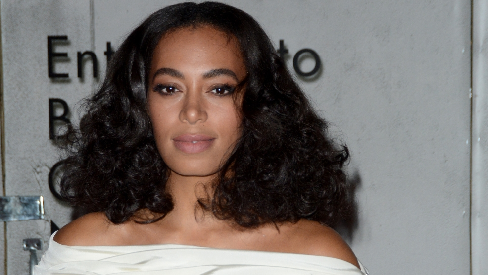 Solange Knowles loses her wedding ring in New Orleans parade
