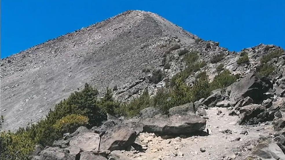Oregon Outdoors: Hiking Mount McLoughlin in the fall