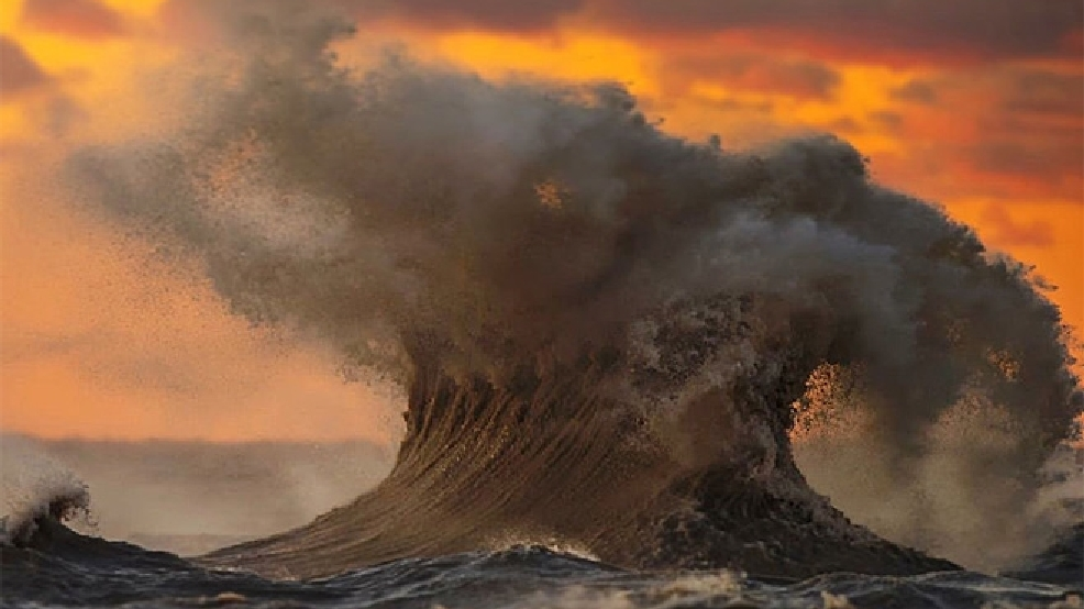 'Liquid Mountains': Photographer captures Lake Erie's fury