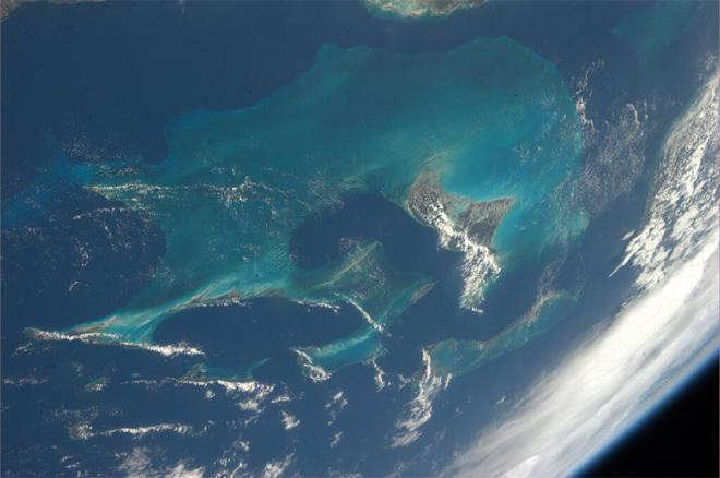 The Bahamas - I never get bored of seeing this beautiful view (Photo & Caption courtesy Koichi Wakata (@Astro_Wakata) and NASA)