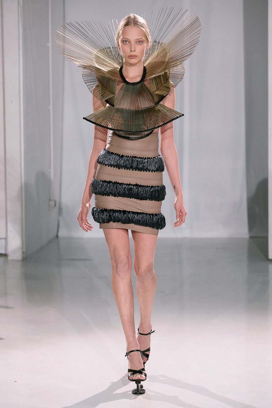 "Story: ""No Matter What You Wear To This Art Museum Exhibit, You Will Be Out-Dressed"" / Exhibit: Iris van Herpen: Transforming Fashion / Image courtesy of Cincinnati Art Museum / Published: 12.1.17"