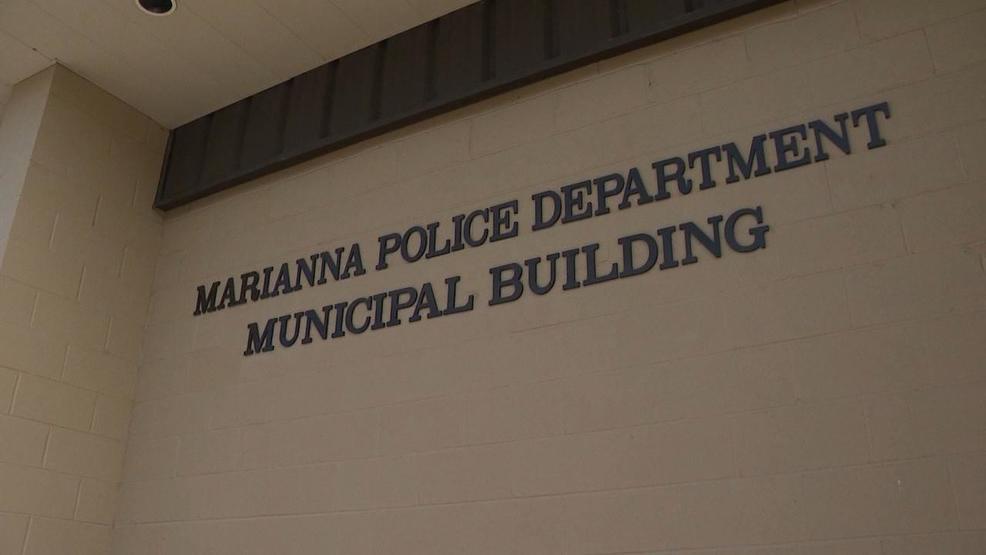 Arkansas prosecutor points finger back at police regarding