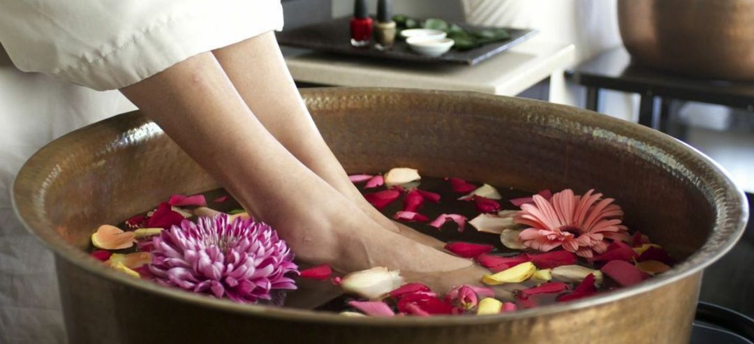 No surprise here!{&nbsp;} A spa day is the perfect go-to gift. Purchase a gift card or take her yourself.{&nbsp;}<p></p><p>Try these local spots: Yuan Spa for the hydrotherapy pools and mani/pedi, The Majestic Inn and Spa in Anacortes for the{&nbsp;} refreshing facials, Intuitive Body Works for the best massage ever and the Nordstrom Spa for a day of pampering, lunch and shopping. (Image: Yuan Spa){&nbsp;}</p>