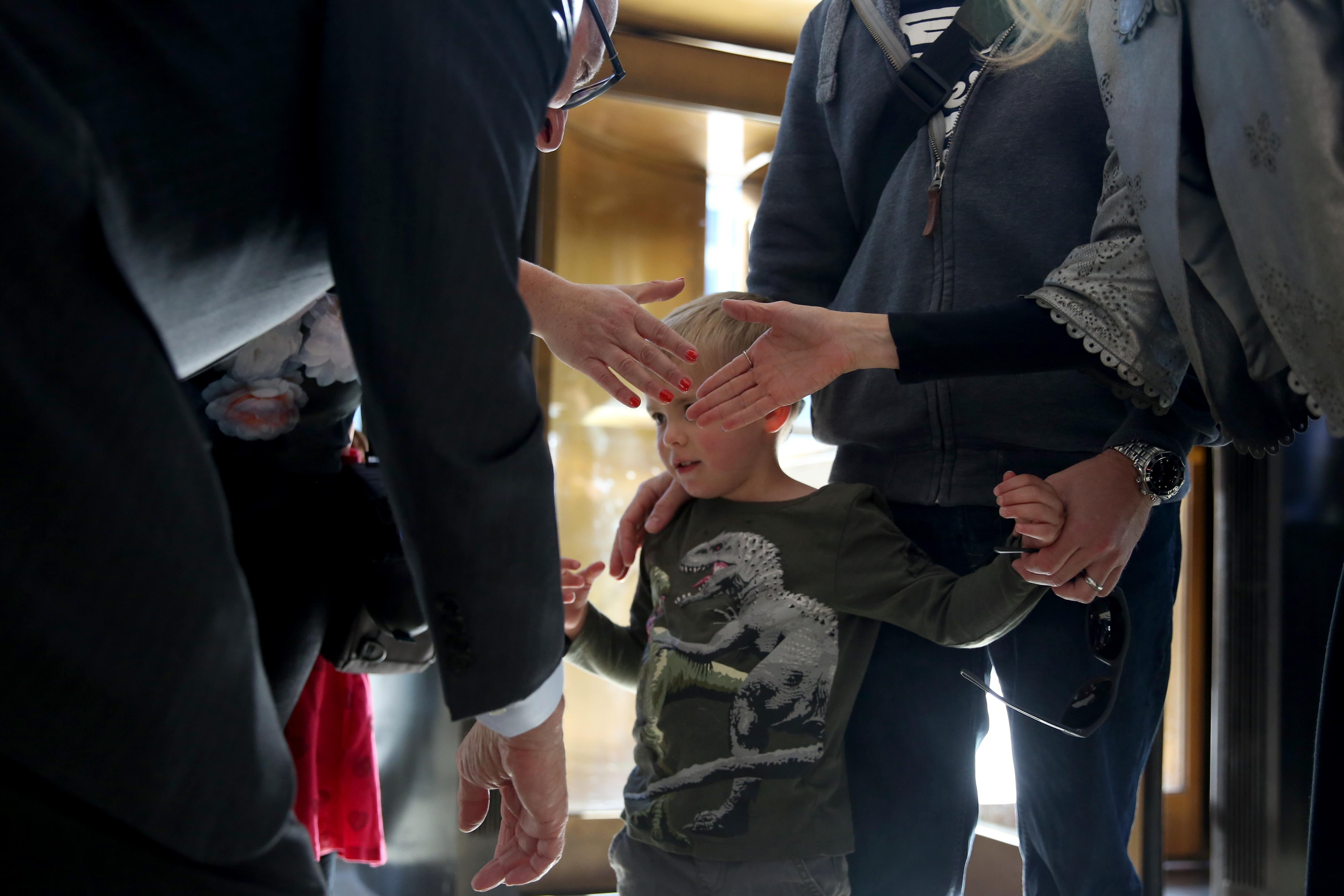 James and Melanie Maughan, along with their children Jacob, 4, and Amelia, 6, were greeted by the secretary of the Smithsonian David Skorton and Melissa Chiu, the director of The Hirshhorn. The family is on a seven week road trip across the United States and they reside in London, England. (Amanda Andrade-Rhoades/DC Refined)