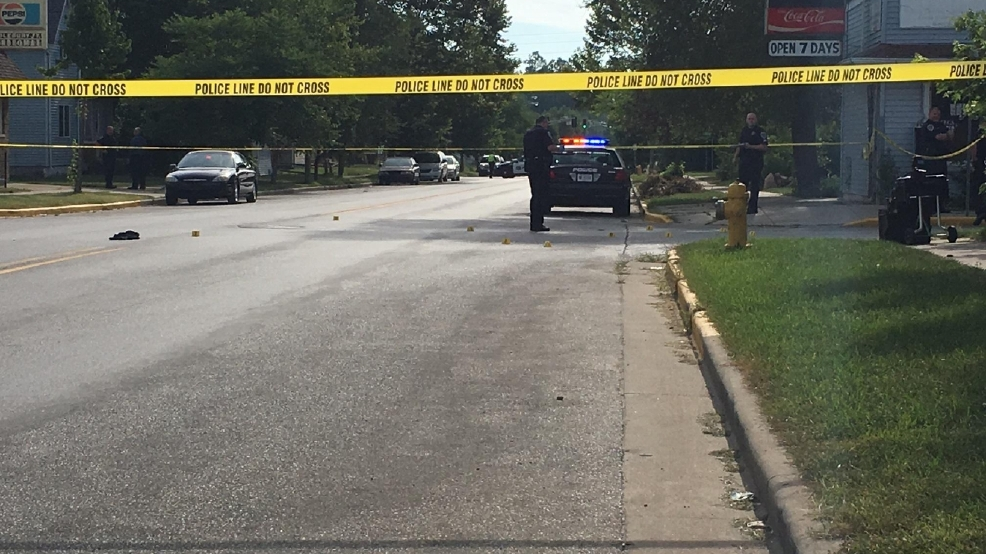 BREAKING: Man rushed to the hospital after shooting in Elkhart   WSBT