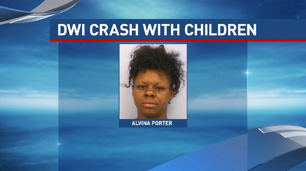 Police austin mom drives drunk crashes three times with children in