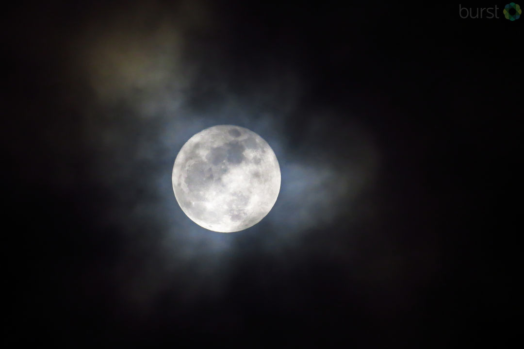 Debbie Tegtmeier shared photos of this weekend's super moon via BURST.com/KVAL