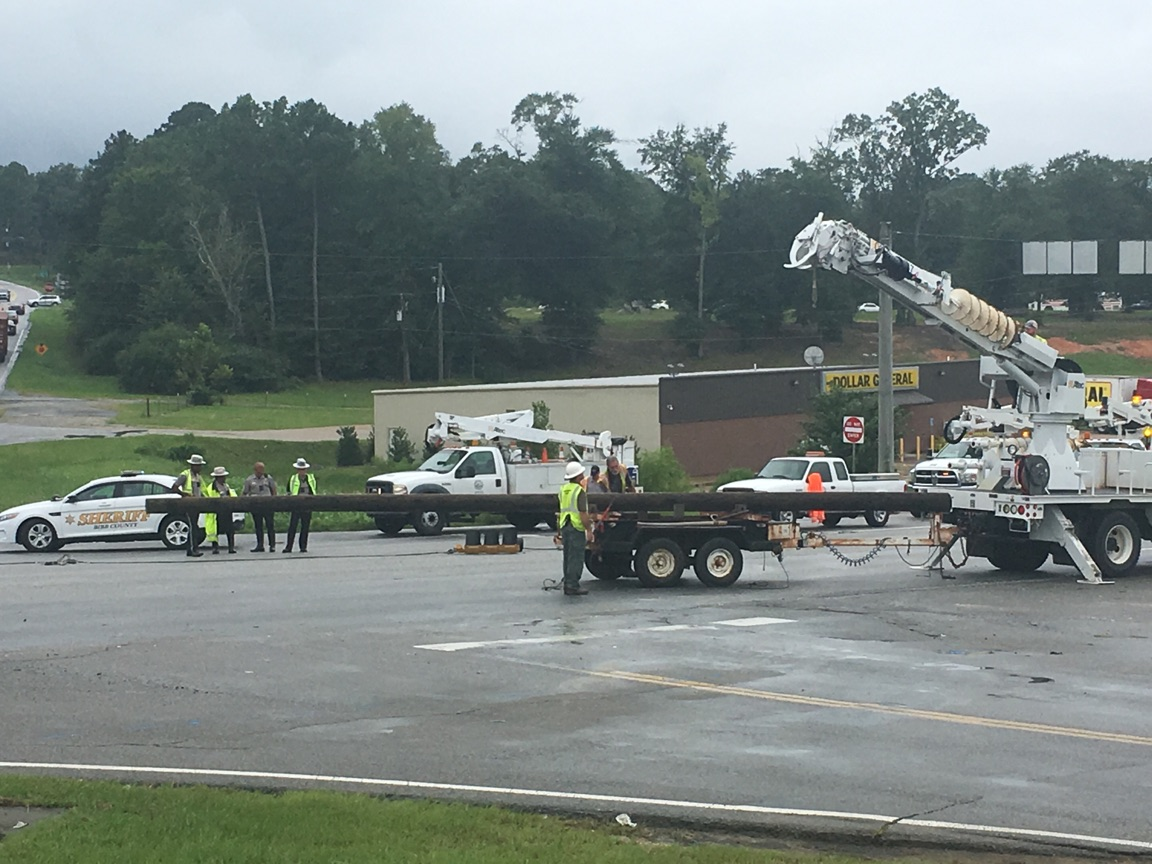 A traffic light was taken down in an accident Tuesday morning in Macon / Ronshad Berry (WGXA)