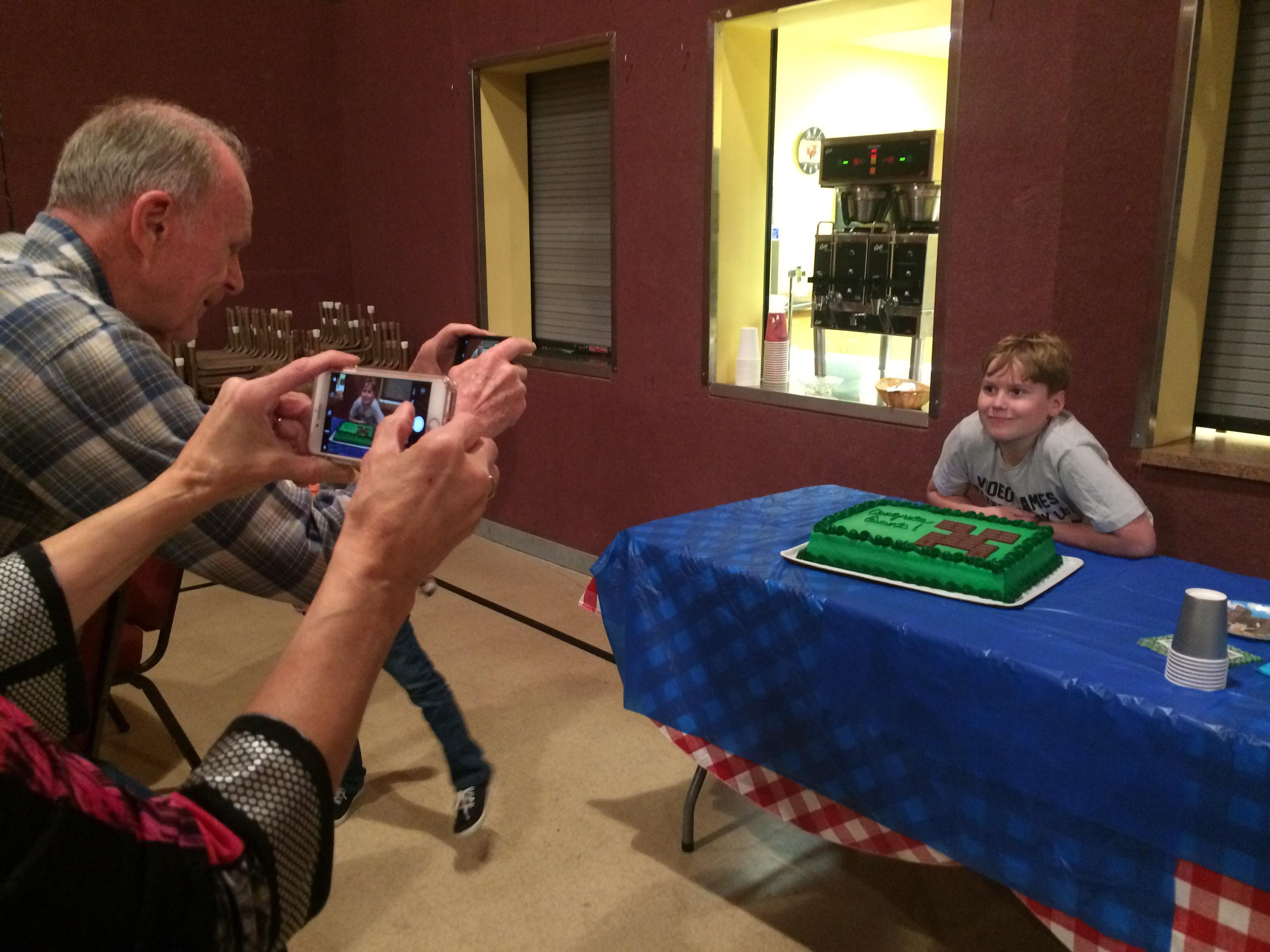 Make-a-Wish Oregon hosted a bon voyage party for 13-year-old Grant Ettinger Monday night.This Friday, Grant, his parents and his older sister will be taken by limo to the Eugene Airport where they will fly to Atlanta.Then they'll be taken to the live taping of Minecon Earth, a show about the popular video game Minecraft.