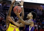 P12_Washington_USC_Basketball__vcatalani@fisherinteractive.com_5.jpg