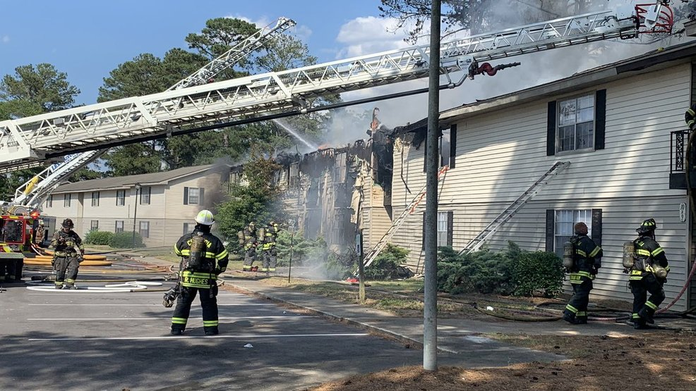 Fire crews battle blaze at Riverbanks Retreat Apartments