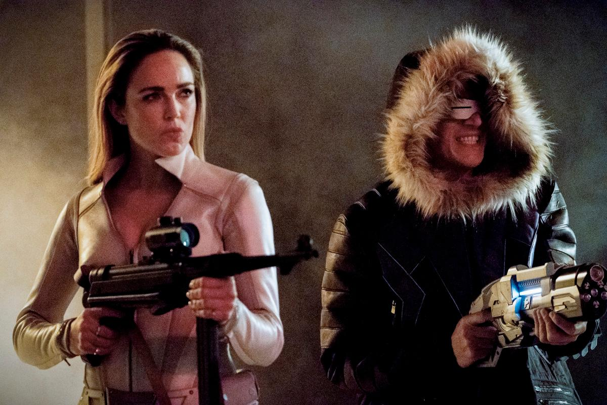 "The Flash -- ""Crisis on Earth -- X, Part 3 -- Image Number: FLA408b_0074b.jpg -- Pictured (L-R): Caity Lotz as Sara Lance/White Canary and Wentworth Miller as Citizen Cold/Leo - X -- Photo: Bettina Strauss/The CW -- �© 2017 The CW Network, LLC. All rights reserved."