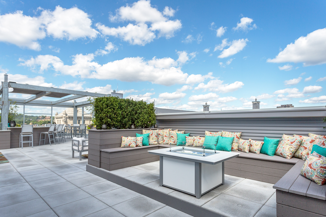 Seven At Broadway Is Giving Us Serious Rooftop Envy