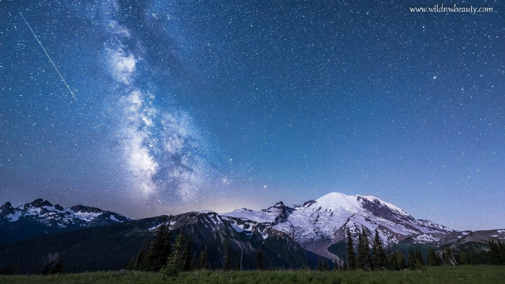Watch: Moonlit Mt. Baker, Mt. Rainier provide dramatic backdrop for Milky Way galaxy