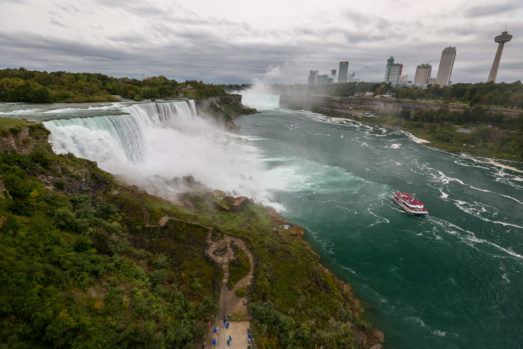 When you go to visit Niagara Falls, most people assume you need to dig out your passport to hop over to the Canadian side of the border. However, the American side of the falls has plenty to offer travelers, whether you want to hike a gorge, grab a stellar, locally sourced meal, traverse class five rapids or explore one of the charming towns around The Falls. (Amanda Andrade-Rhoades/DC Refined)