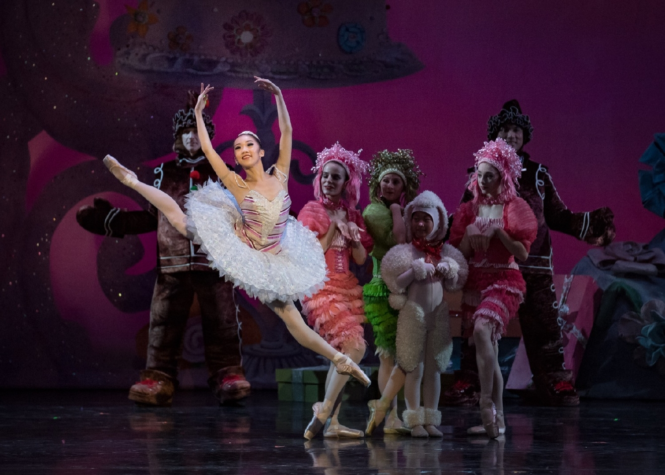 Cincinnati Ballet Soloist Chisako Oga in the foreground as Sugar Plum Fairy in Cincinnati Ballet's The Nutcracker performed at the Kennedy Center. / Image: Peter Mueller