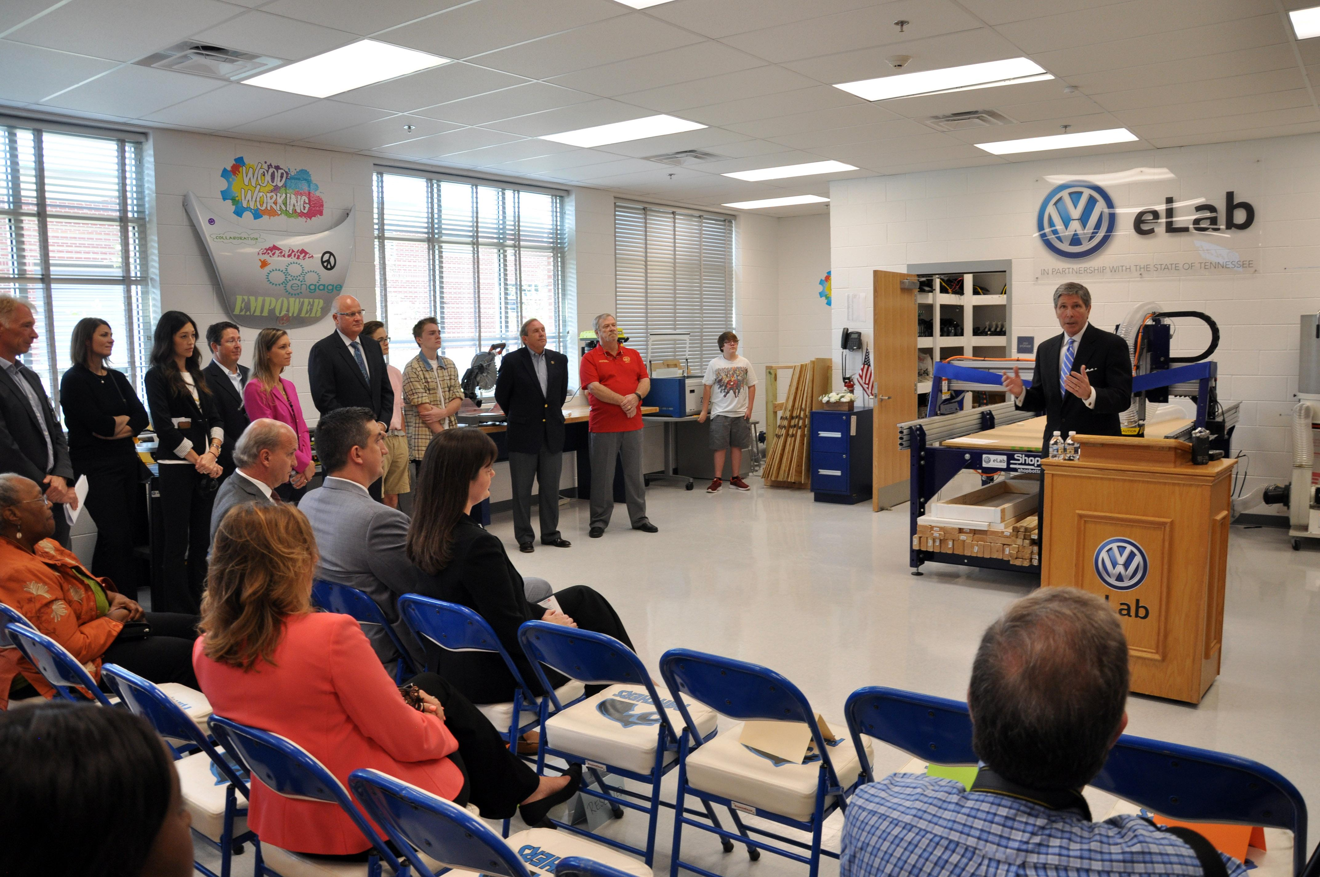 Ribbon cutting ceremony at Sale Creek Middle School. (Image: Volkswagen Chattanooga)