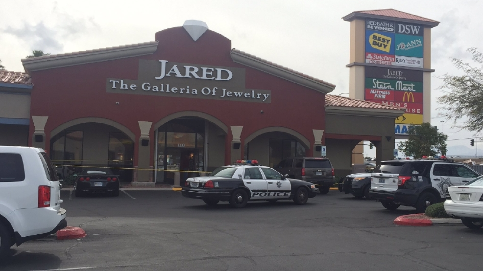 Suspects sought in robbery of jewelry store near rainbow for Jewelry jobs las vegas