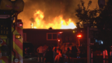 Federal Way fire displaces 13 people