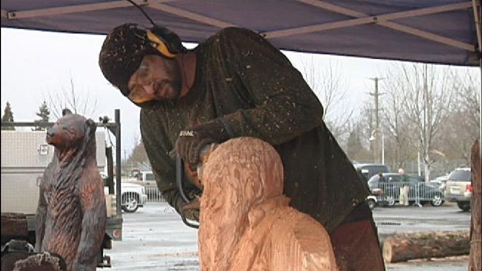 Chainsaw art entertains at logging conference kval