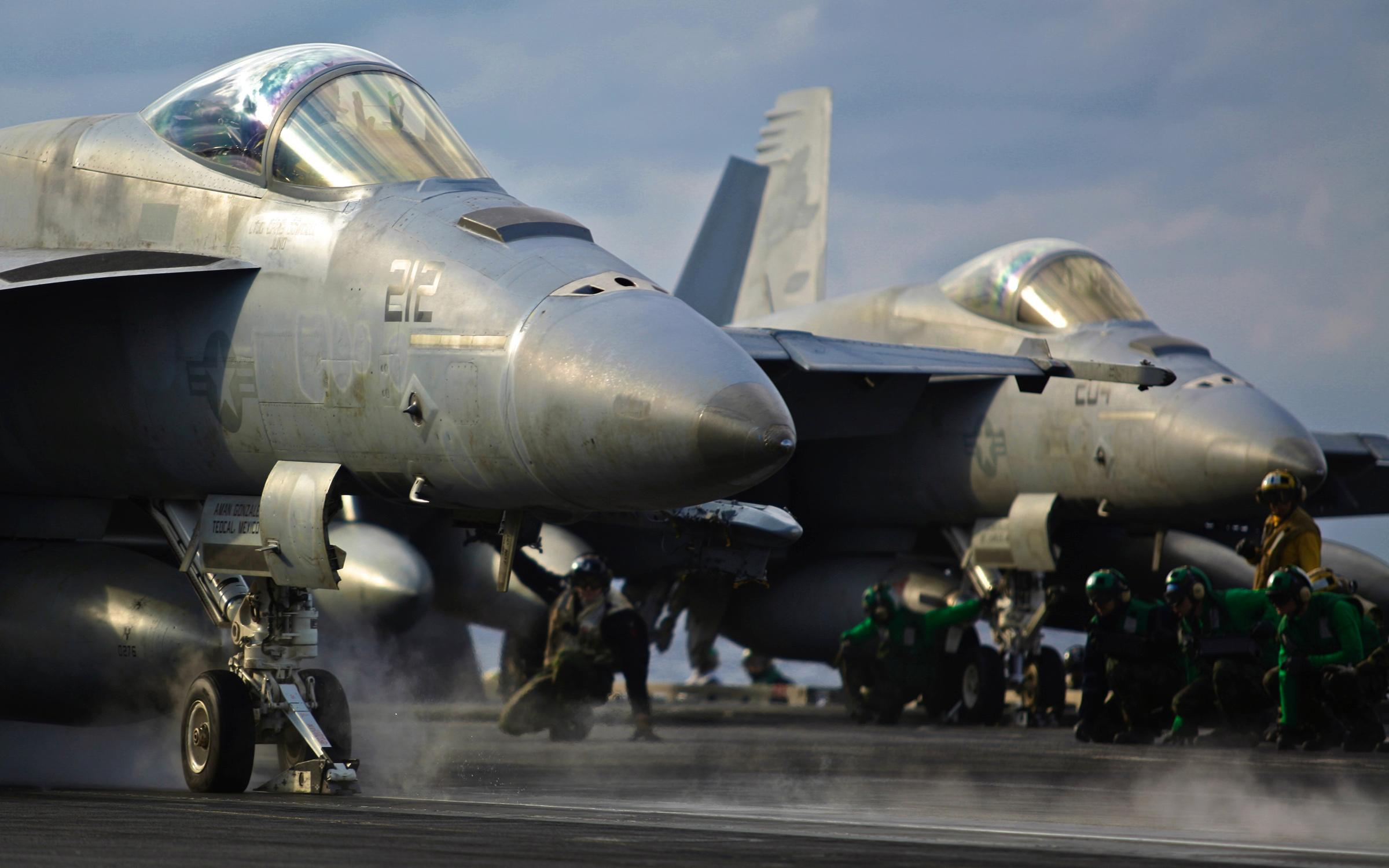U.S. Navy F-18 Super Hornet (U.S. Navy photo by Aviation Electrician Technician Airman Josiah Connelly /Released)