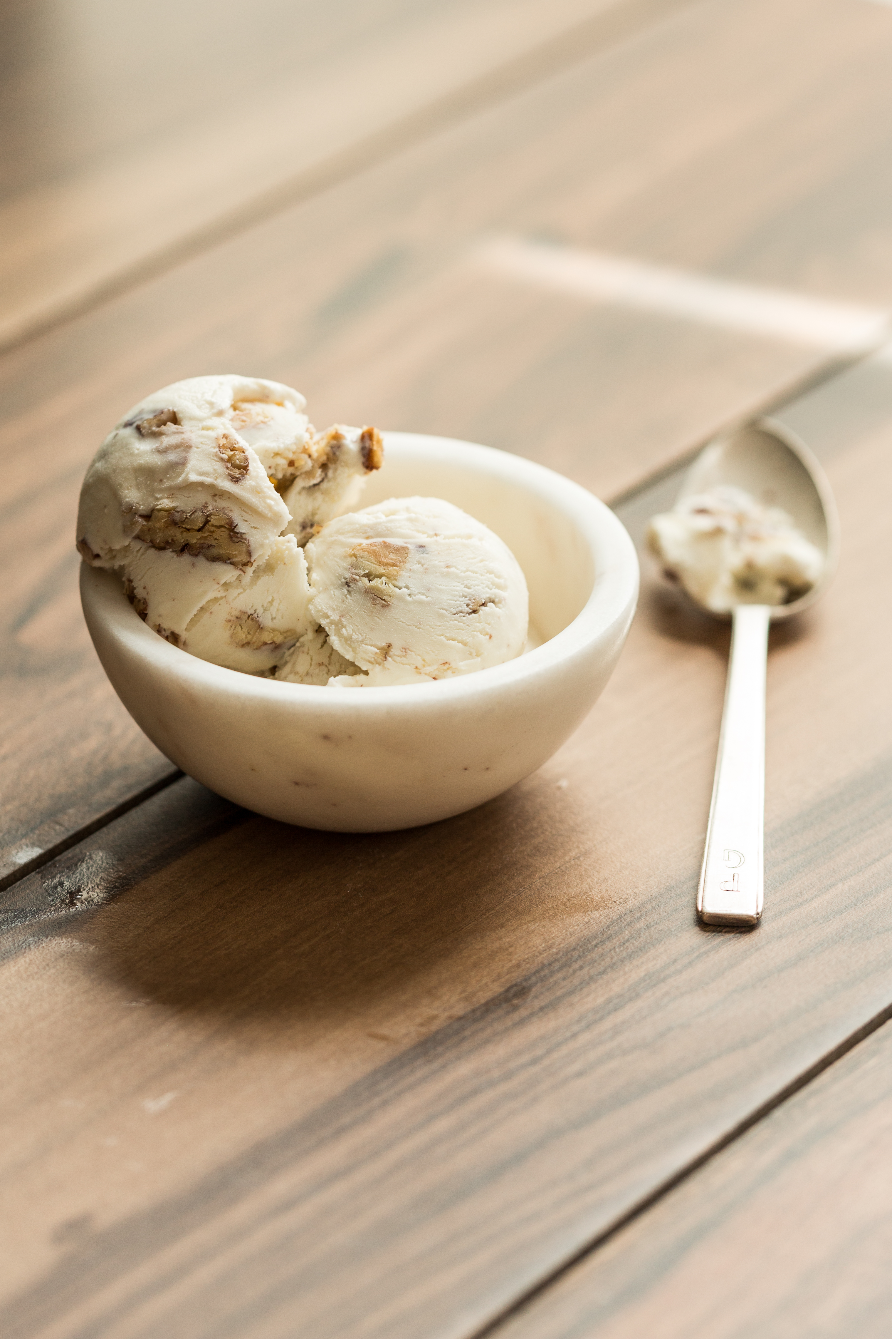 Jeni Britton Bauer, the James Beard Award-winning cookbook author, has opened her first ever east coast location of Jeni's Splendid Ice Creams right here in D.C.! To celebrate the grand opening, Jeni is inviting the community in for free scoops from 7 p.m. to 11 p.m. on Thursday, October 5. (Image: Courtesy Jeni's Splendid Ice Creams)