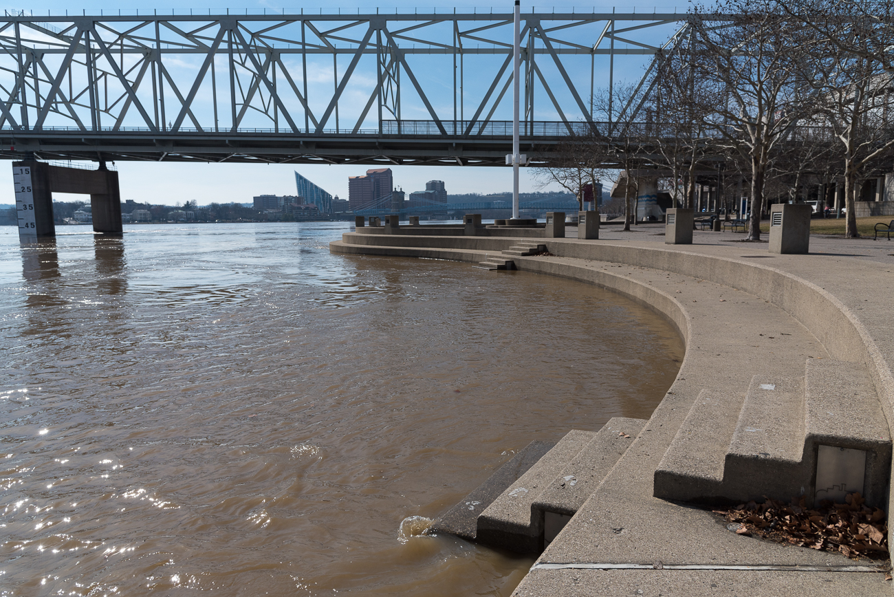 The flood from Sunday, February 18, 2018 at the Serpentine Wall at Yeatman's Cove / Image: Phil Armstrong, Cincinnati Refined // Published: 2.21.18