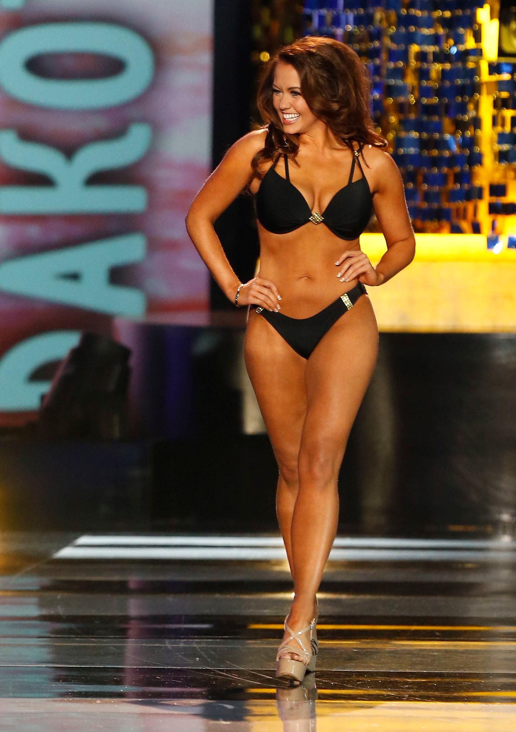 Miss North Dakota Cara Mund walks on the stage during swimsuit competition at Miss America 2018 pageant, Sunday, Sept. 10, 2017, in Atlantic City, N.J. (AP Photo/Noah K. Murray)