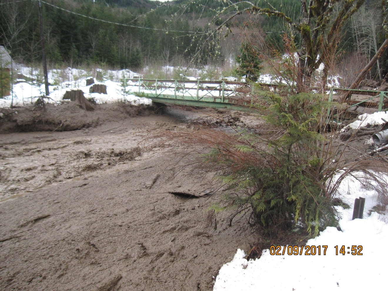 huge mudslide slammed into a home and covered part of State Route 7 ...