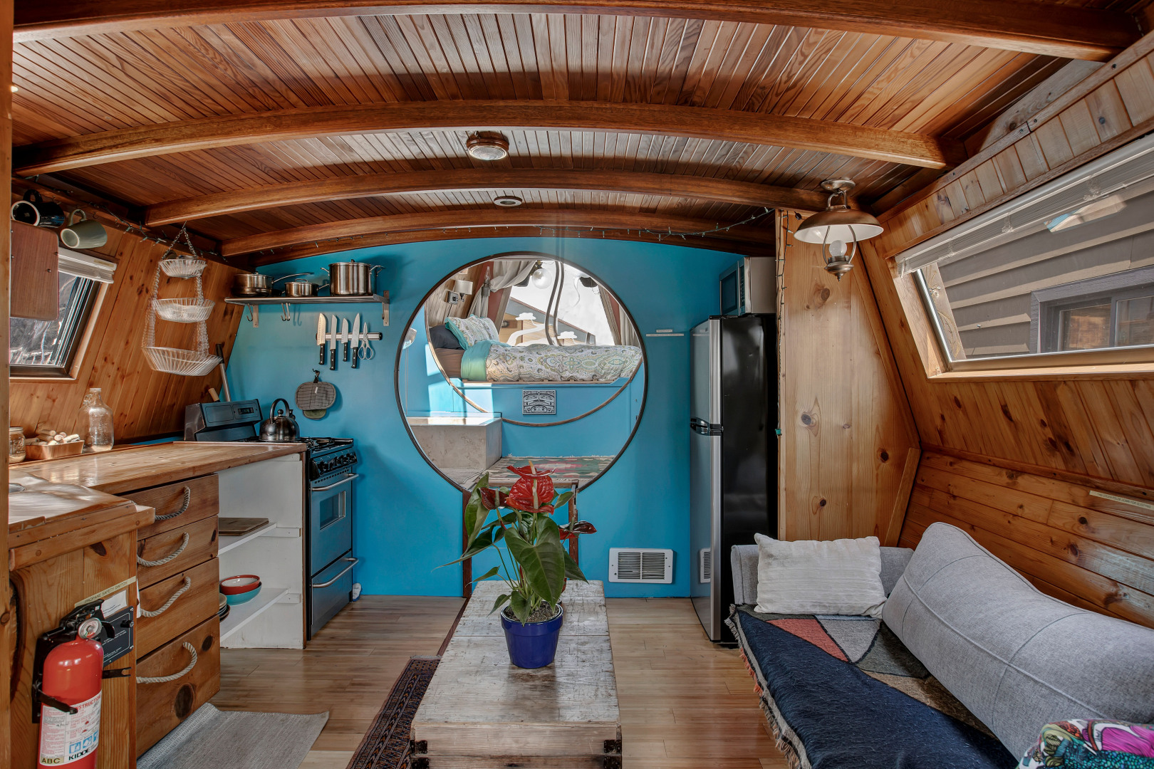 "Love Lake Union? Live on it! ""Turnip"" is a houseboat that can be your own little oasis, boasting bamboo/cork flooring, a Japanese style soaking tub/shower and a rooftop deck. It also happens to be the lowest priced houseboat on the lake! Built in 1987, Turnip has an interior of 354 square feet and sits on a 444 square foot lot. It can be yours for $175,000,{&nbsp;}<a  href=""https://1613556.rsir.homes/"" target=""_blank"" title=""https://1613556.rsir.homes/"">more info online</a>. (Image:{&nbsp;}<a  href=""https://www.instagram.com/apnwphotographer/"" target=""_blank"" title=""https://www.instagram.com/apnwphotographer/"">Nicolas Gerlach / @apnwphotographer</a>){&nbsp;}"