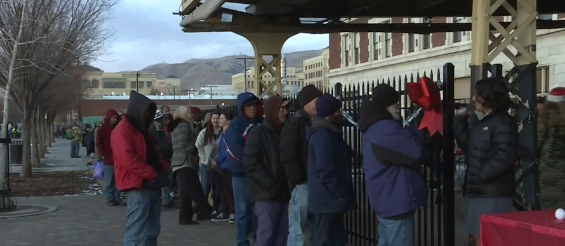 Hundreds of volunteers help put on a special Christmas party for Utah's homeless (Photo: KUTV)