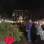 Governor Nixon lights Mansion tree for last time