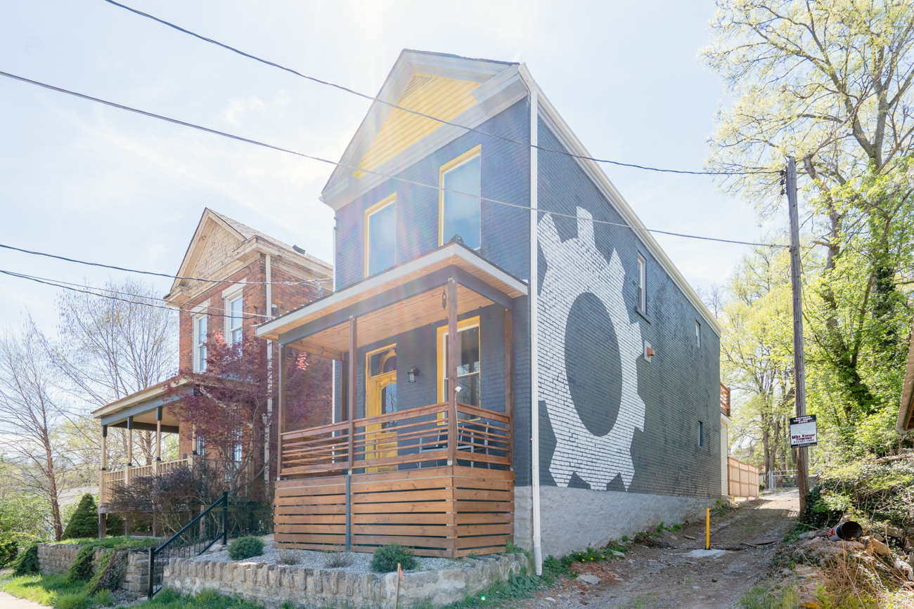 There's an Airbnb in Northside decked out in a steampunk aesthetic. After a massive renovation that took the 19th-century house back to its bricks, it's now a three-bedroom, three and a half-bathroom Airbnb. / Image courtesy of Tom Sinclair // Published: 1.16.20