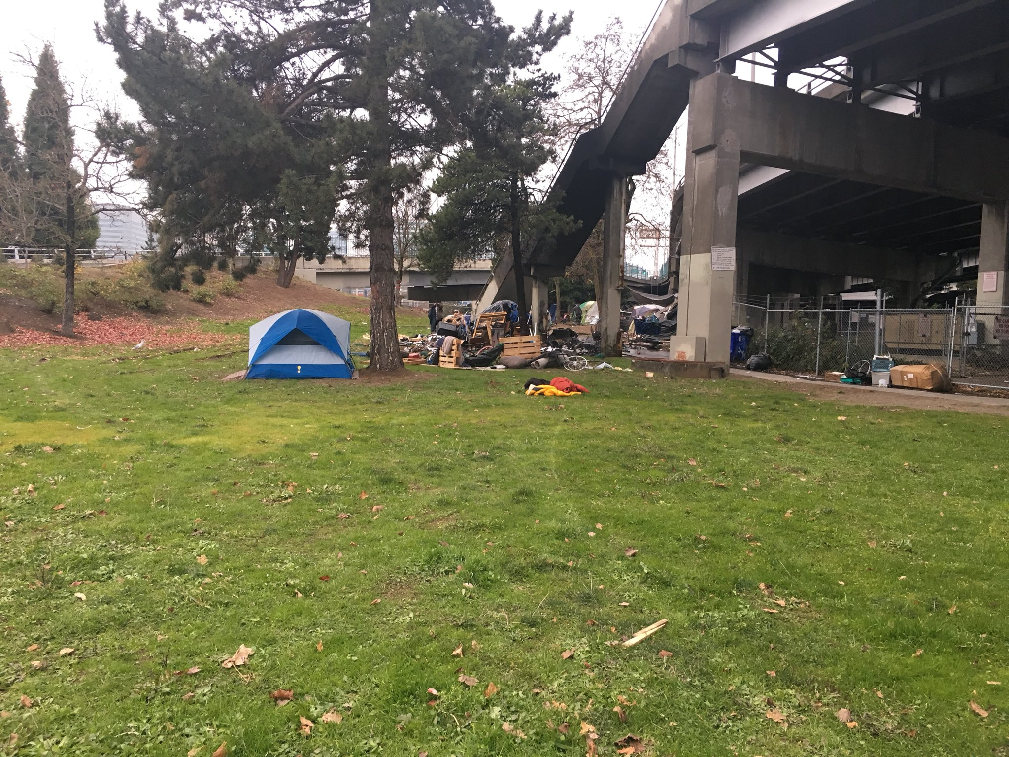 Crews responded to tents on fire at a homeless camp on the east side of the Morrison Bridge on Dec. 15, 2017. KATU photo{&amp;nbsp;}<p></p>