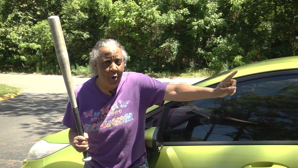 Video 65 Year Old Florida Woman Slugs 300 Pound Half Er With Baseball Bat