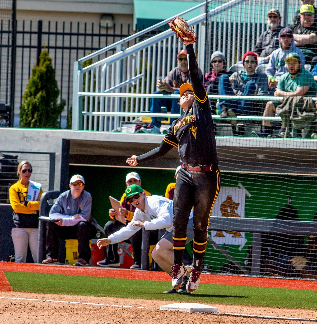 Photos: Ducks Softball Clinches Another Win Over Sun