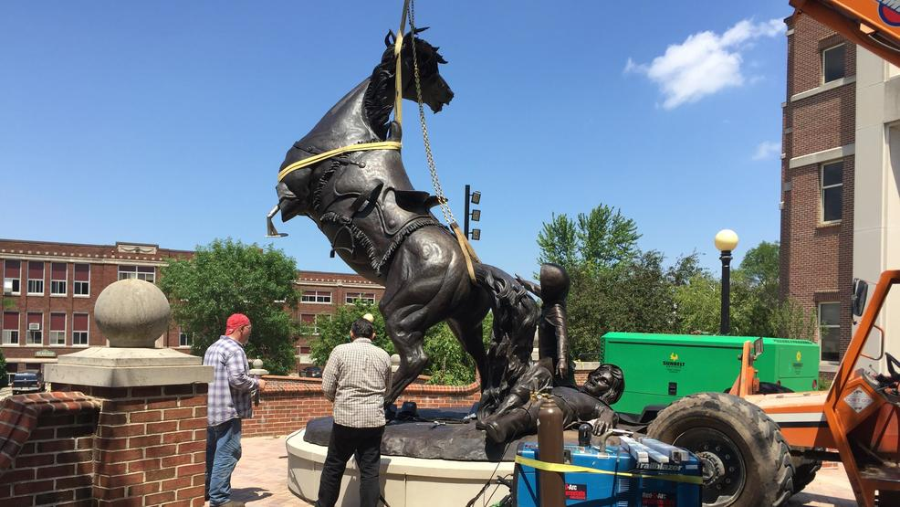 'The Conversion' statue going up at St. Norbert College   WLUK