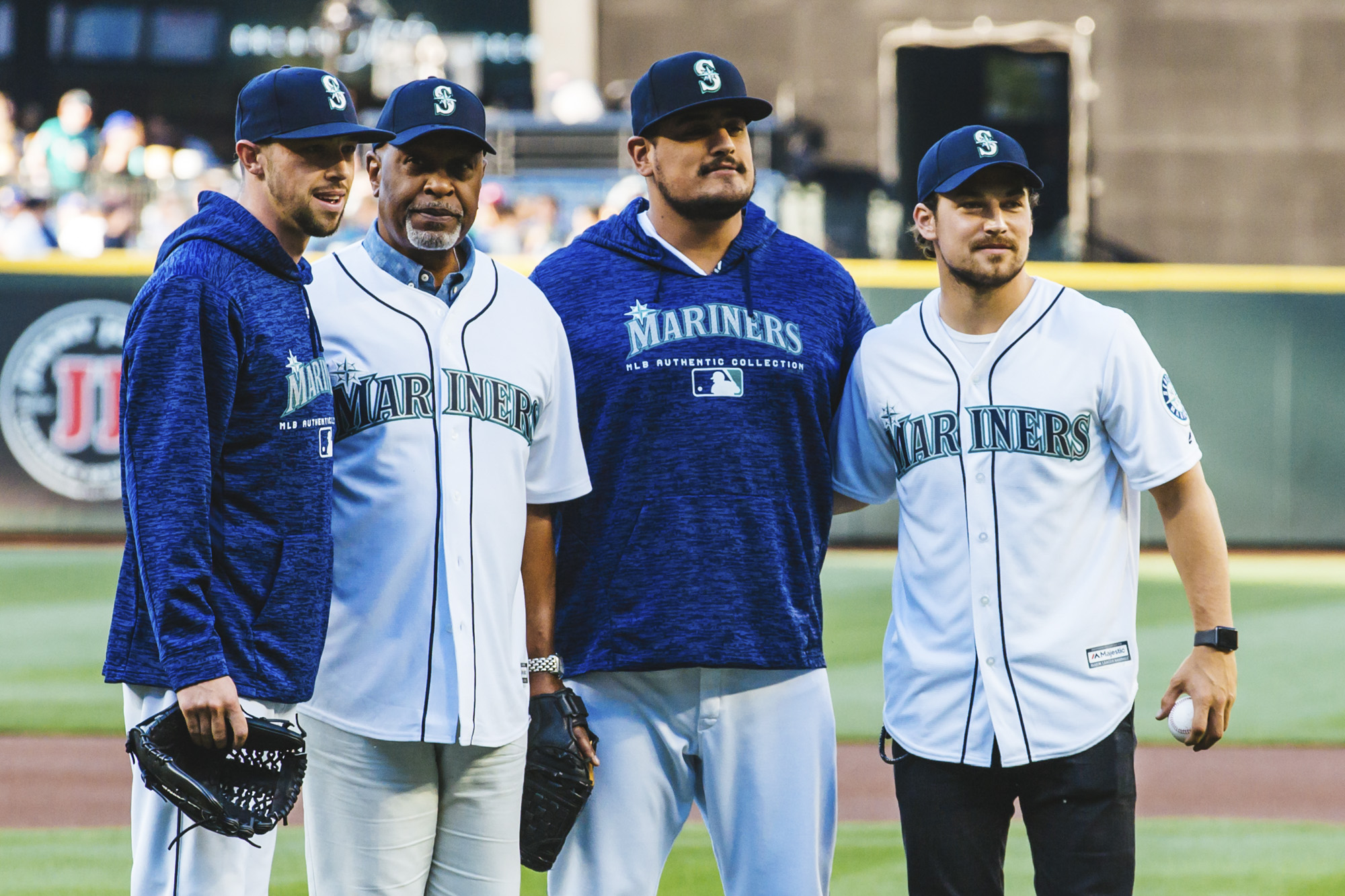 Photos: \'Grey\'s Anatomy\' cast throw first pitch at Safeco Field ...