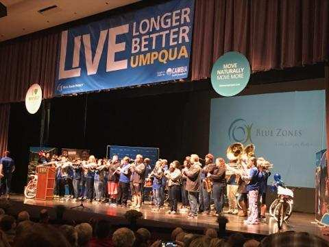 Hundreds attended the Blue Zones project kickoff event at Umpqua Community College, Dec. 11, 2017. (SBG)